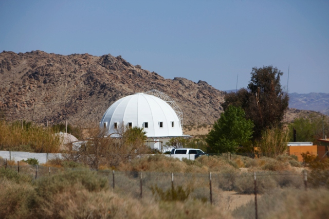 Alien Technology Given to Former Aviation Engineer in 1950s; Welcome to the Integratron B06d2-endless_cali03657